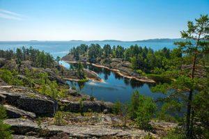 Карелия - край озер и живописной природы